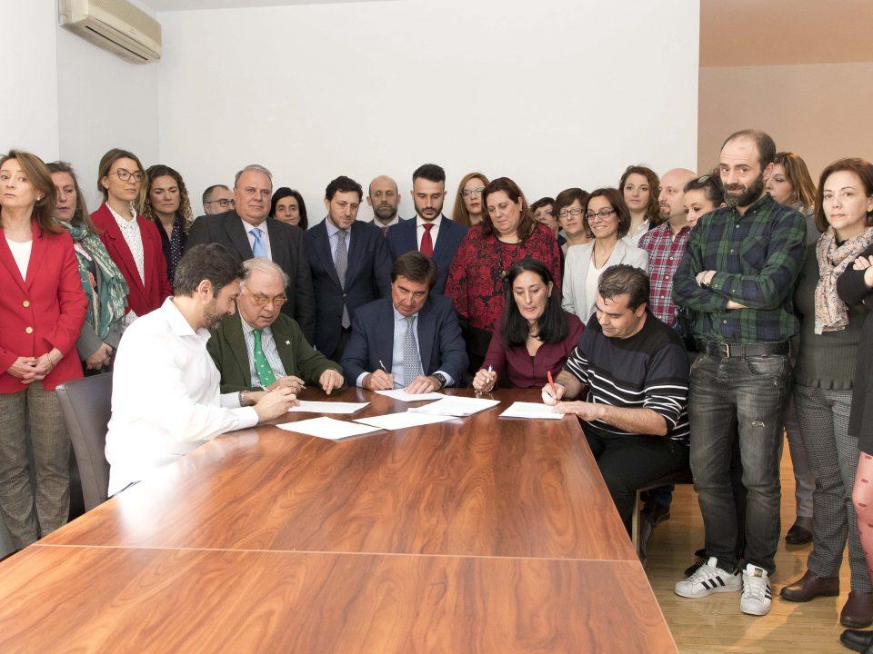 Tras dos años de negociaciones la sanidad privada de Madrid firma un nuevo convenio colectivo 12